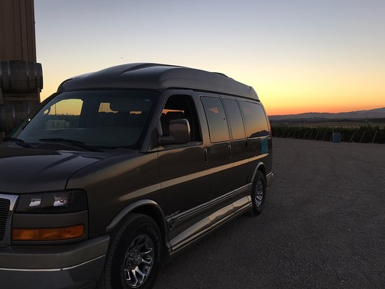 Danville, Kaliforniya: Our comfy tour van at sunset