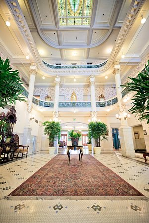 Menger Hotel: Menger Victorian Lobby Stained Glass Ceiling