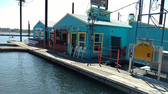 Washougal, WA: The floating restaurant