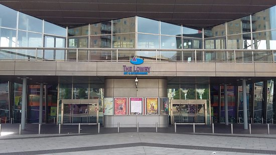 The Lowry: Front of gallery