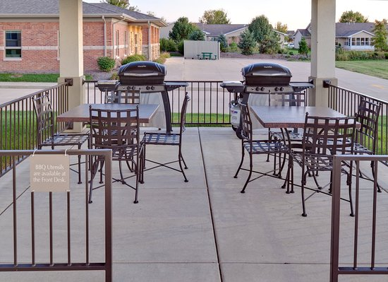 Candlewood Suites Peoria at Grand Prairie: Guest Patio