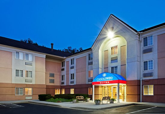 Candlewood Suites Knoxville: Hotel Exterior