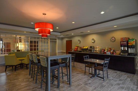 BEST WESTERN Galleria Inn & Suites: Breakfast Room