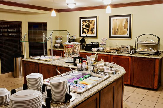 Irving, TX: Enjoy the Breakfast Bar