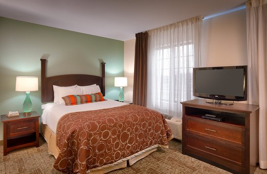 Peoria, IL: Single Bed Guest Room