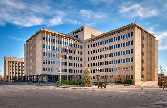 Peoria, IL: Caterpillar corporate offices