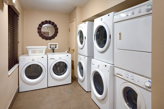 Peoria, IL: Free laundry machines for your convenience