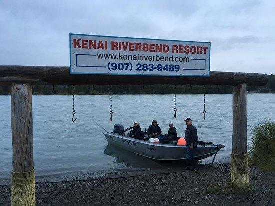 Kenai Riverbend Resort : Fishing on the Kenai River.