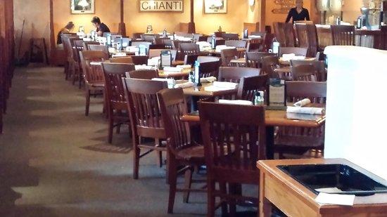 Fayetteville, NY: Inside the restaurant
