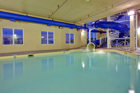 Holiday Inn Express Hotel & Suites Hinton: Heated Pool with enclosed Waterslide