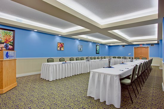 Hotel Indigo Ottawa Downtown: We have multiple meeting rooms accommodating up to people