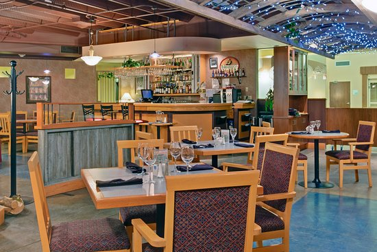 Holiday Inn Canmore: Restaurant