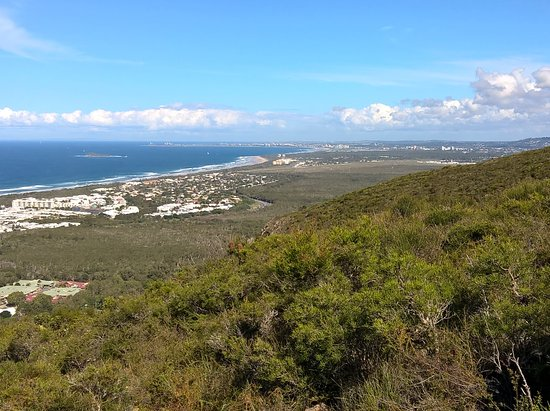 Coolum Beach, Australia: Views over Mudjimba Island and Sunshine Coast airport all the way to Mooloolaba and Point Cartwr