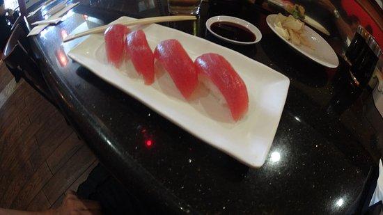 Lakewood, Καλιφόρνια: tuna sushi
