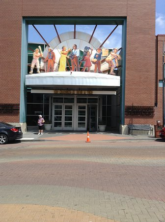Negro Leagues Baseball Museum : The exterior of the baseball museum.