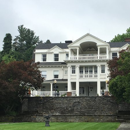The Mansion at Noble Lane: The Mansion at Nooble Lane