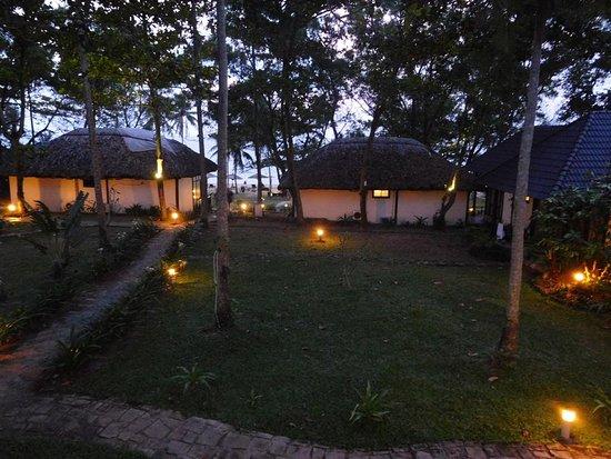 Arcadia Phu Quoc Resort: Night time balcony view