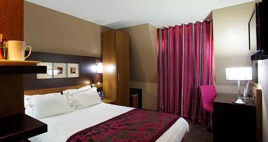 Holiday Inn Paris-St. Germain Des Pres: One Queen Bed Design Room