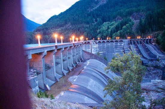 North Cascades Highway: The Diablo Dam