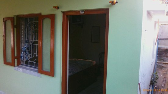 HOTEL CHUTTI: See Reviews, Price Comparison and 5 Photos