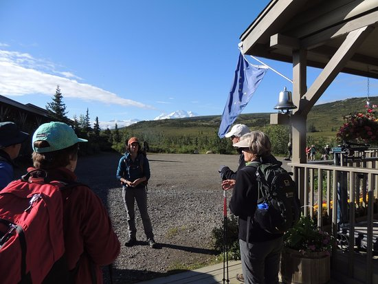 North Face Lodge : prepping for a moderate hike