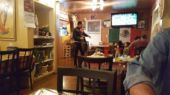 Food and service A+.  Mariachi singer tops!  Great exoerience- if you are in Driggs, ID don't mi