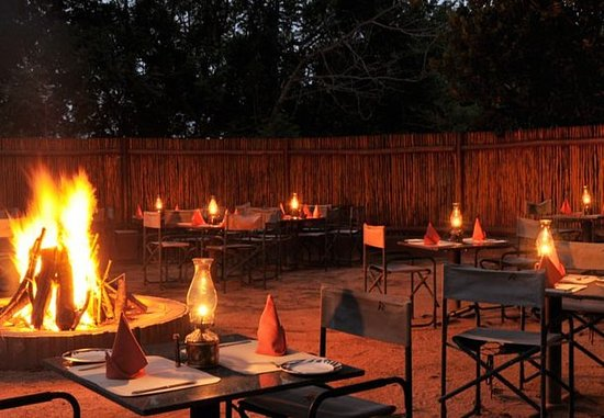 Protea Hotel by Marriott Hazyview: Outdoor Dining