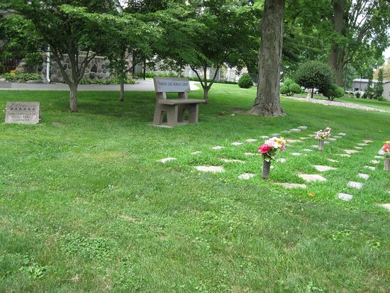Exceptional Evergreen Memorial Cemetery: Dorothy Gage Memorial Gardens And Pet Cemetery