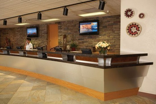 Lake Powell Resort Front Desk