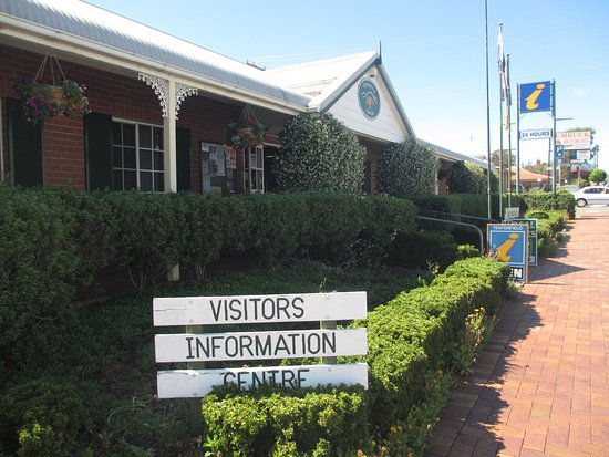 ‪Tenterfield Visitor Information Centre‬
