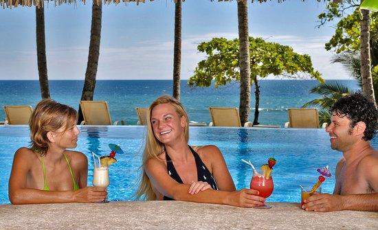 Tambor, Costa Rica: Wet Bar Main Swimming pool
