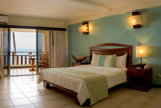 Tango Mar Beachfront Boutique Hotel & Villas: Beachfront King Bed