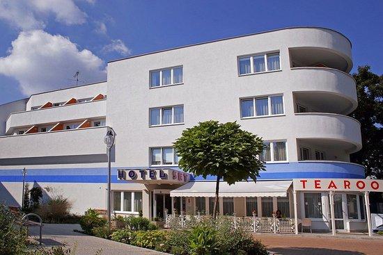Hotel SET Bratislava exterior