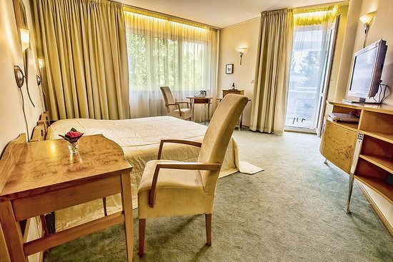 Hotel Set: Standard double room