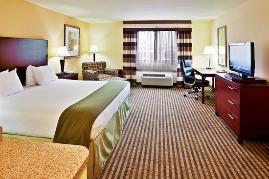 Ponca City, OK: King Bed Guest Room