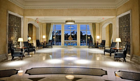 Waldorf Astoria Orlando: Orlando Lobby with Pool