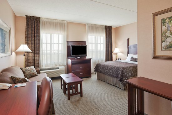 Staybridge Suites Oakville: Well lit and Spacious Studio Suites