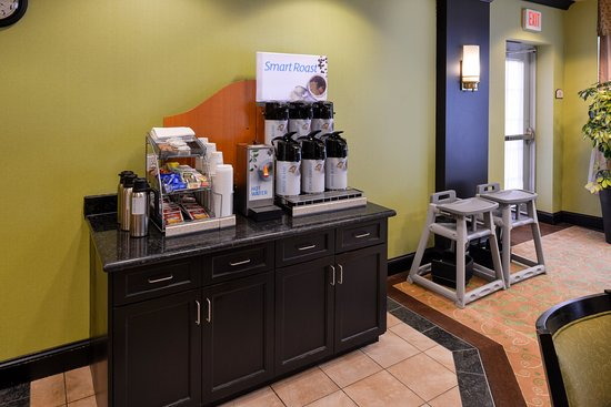 Holiday Inn Express Hotel & Suites Halifax Airport: 24 hour coffee, tea & hot chocolate available
