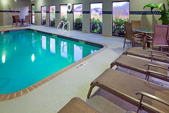 Holiday Inn Express Hotel & Suites Hutto: Swimming Pool