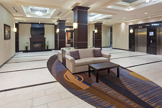 Holiday Inn Express Hotel & Suites Woodstock: Hotel Lobby