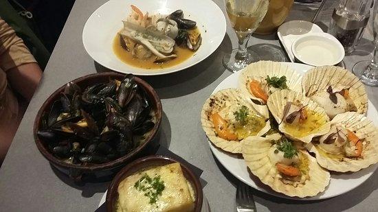 LochLeven Seafood Cafe: 20160811_211311_large.jpg