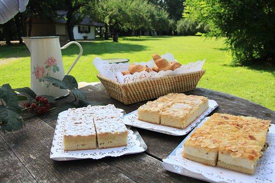Dreieich, เยอรมนี: Kuchen aus der Konditorei
