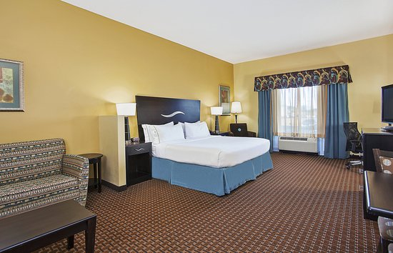 Somerset, KY: Relax in our spacious King Suite