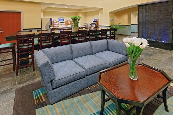 Holiday Inn Express Hotel & Suites Weatherford: Weatherford Hotel Guest Dining Lounge
