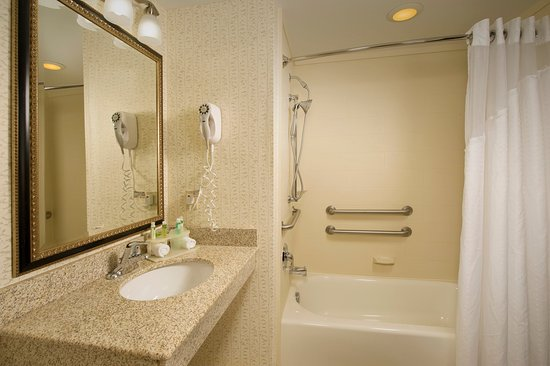 Elkridge, MD: Guest Bathroom