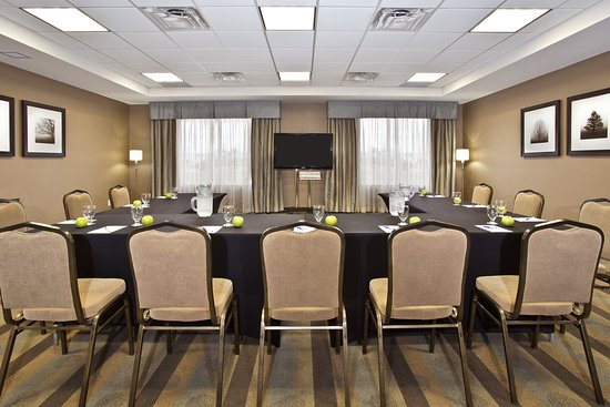 Holiday Inn Express Hotel & Suites Kingston: Meeting room set up in a U-shape format for collaboration