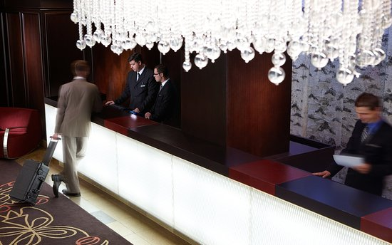 Front Desk at the InterContinental Montreal