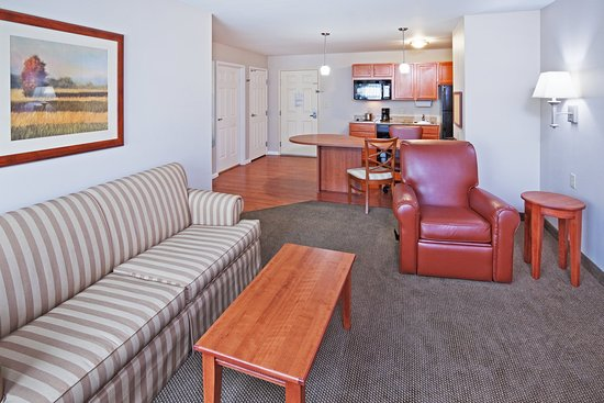 McAlester, Oklahoma: 1 Bedroom Suite/Living Area
