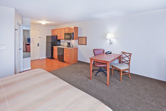 McAlester, OK: King Suite