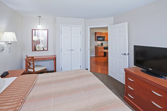 McAlester, OK: One Bedroom Suite